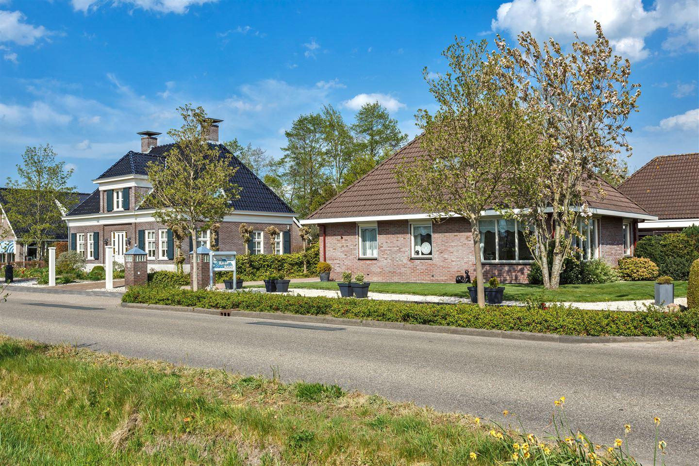 Bekijk foto 3 van Lutjegasterweg 42