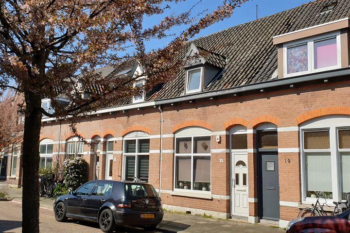 Huygensstraat 21