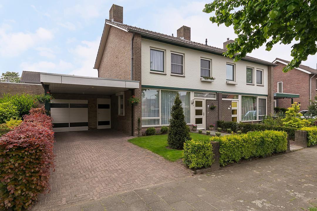House for sale: Vincent van Goghstraat 13