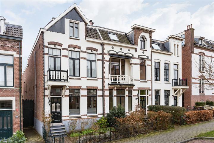 Burgemeester Weertsstraat 63