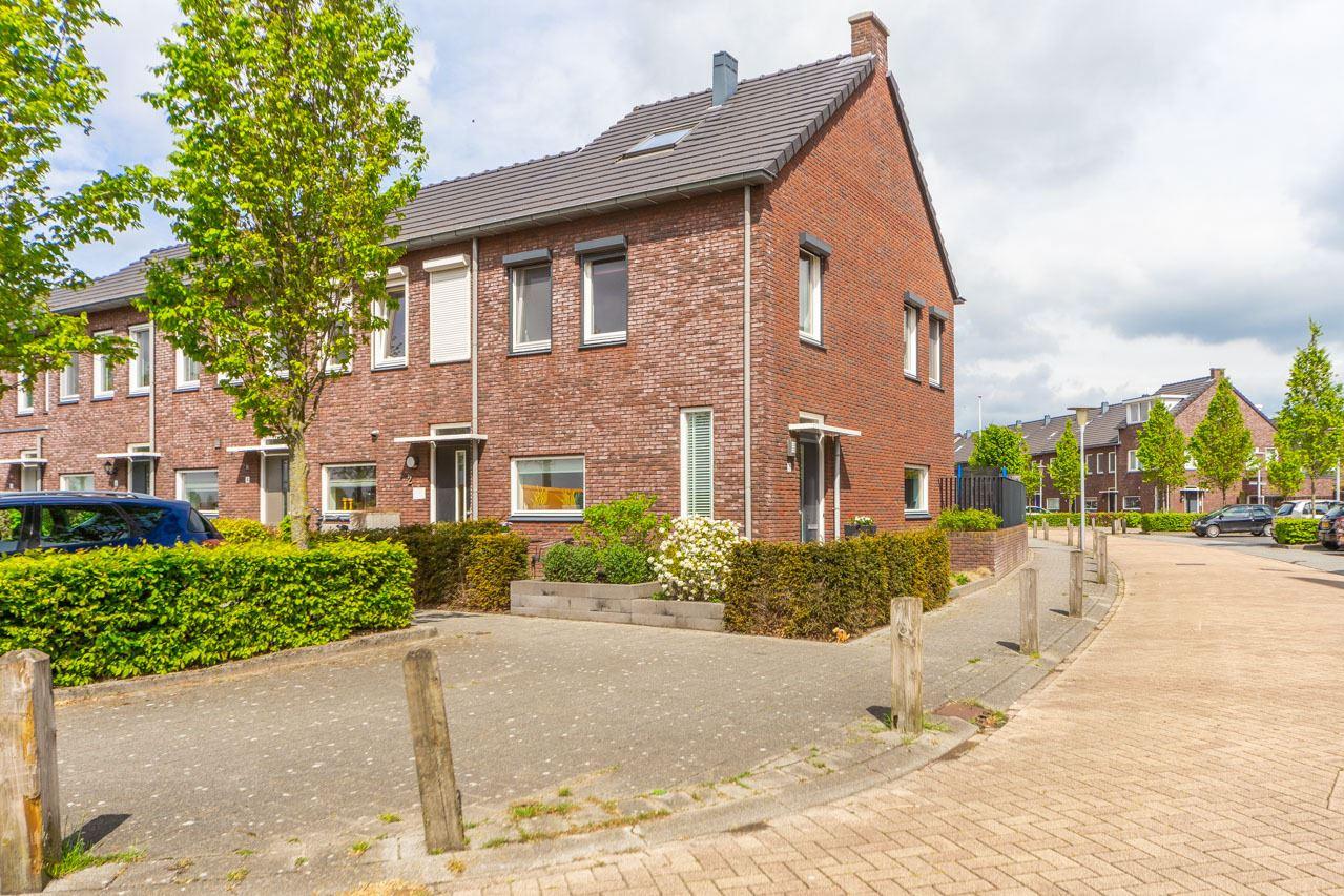 Bekijk foto 2 van Bonkenhavestraat 1