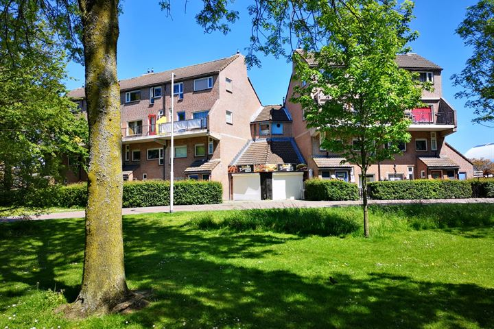J.C. Sterrenburgstraat 157, Spijkenisse