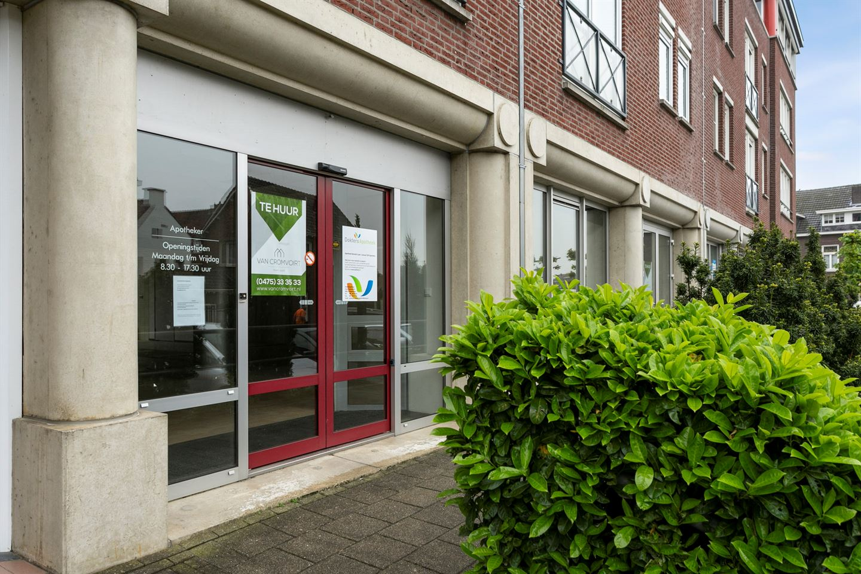 Bekijk foto 2 van Graaf Reinaldstraat 7