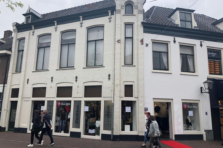 Bekijk foto 1 van Luttekepoortstraat 2