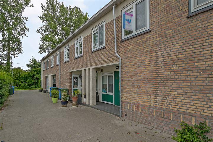 Poelenburg 32