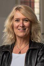 Petra de Hoog (Office manager)
