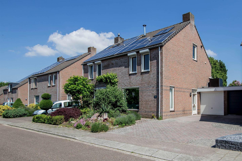 View photo 2 of Hoogland 18