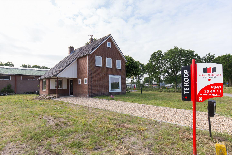 Bekijk foto 1 van Roosendaalseweg 109