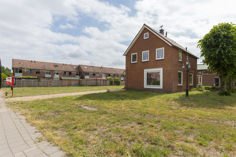 Bekijk foto 2 van Roosendaalseweg 109