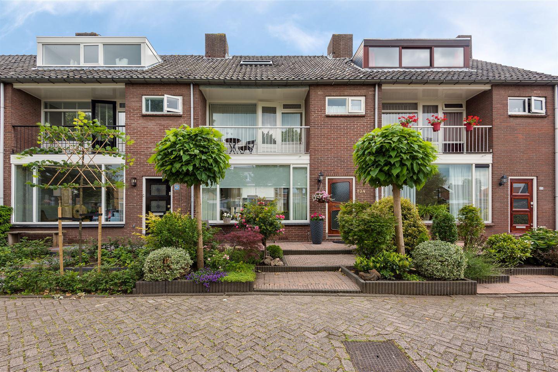 Bekijk foto 1 van Graaf Willemlaan 104