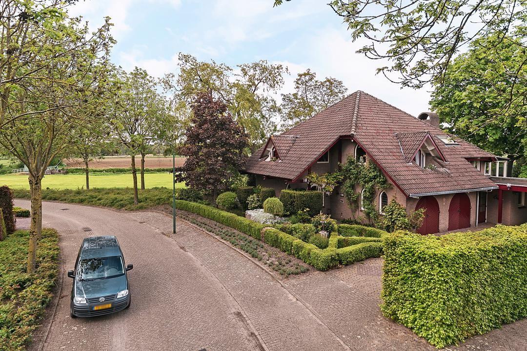 Bekijk foto 3 van Oosterbosstraat 10