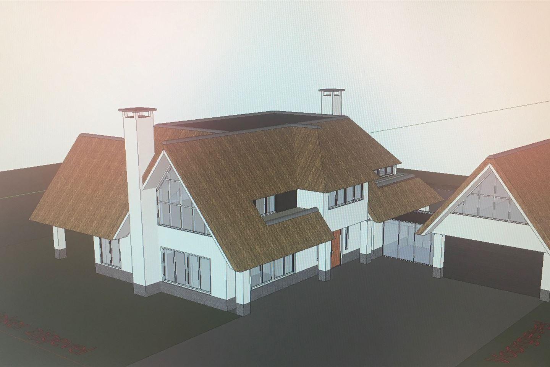 Bekijk foto 2 van Klein Oosterhout