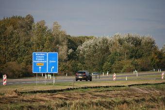 View photo 3 of De Elsmoat
