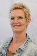 Sandra Veltstra (Office manager)