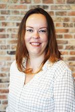 Patricia de Jong (Real estate agent assistant)