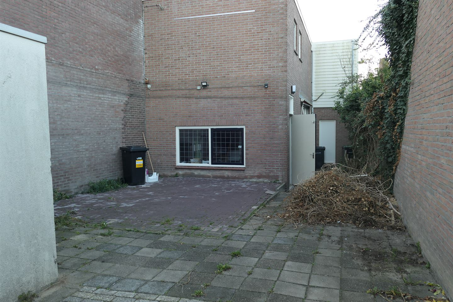 View photo 3 of Brinkstraat 17