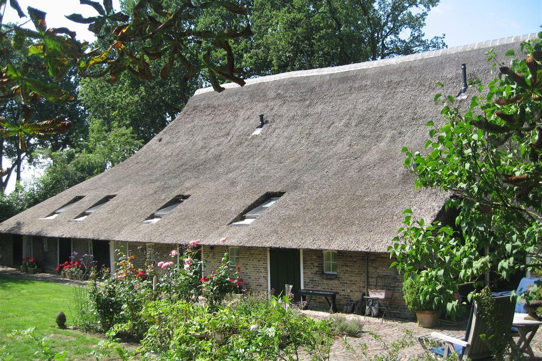 Bekijk foto 2 van Kerkhoflaan 9