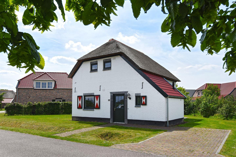 Bekijk foto 1 van Buitenhof de Leistert 133