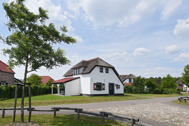 Bekijk foto 3 van Buitenhof de Leistert 133