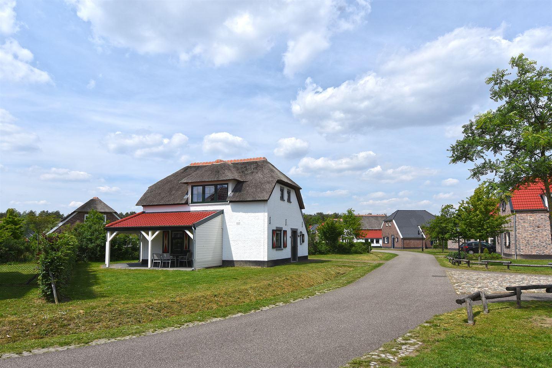 Bekijk foto 4 van Buitenhof de Leistert 133