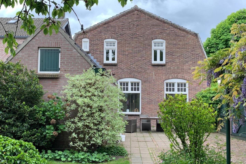 View photo 2 of Marktstraat 73