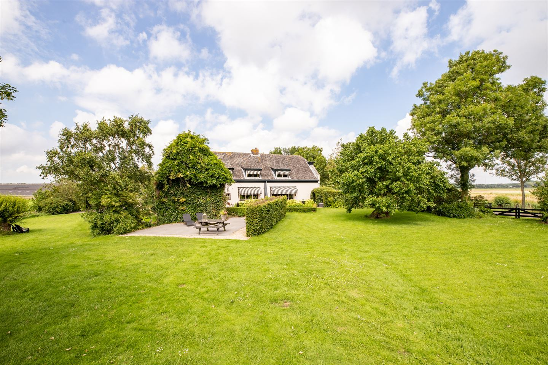 View photo 2 of Dorpsweg 8