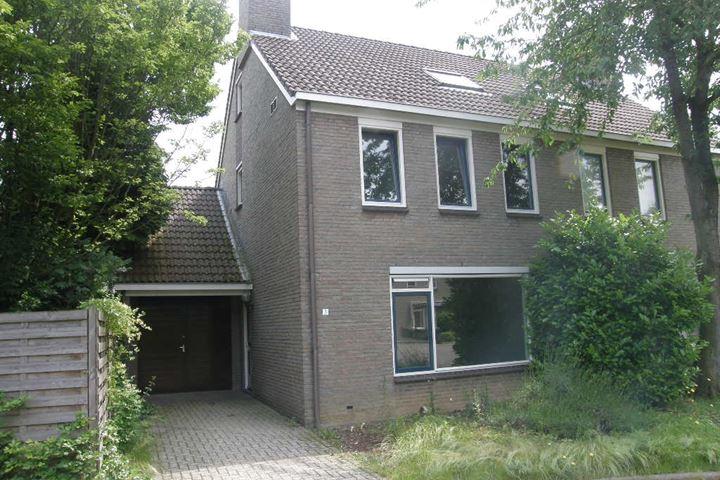René van Oranjestraat 3