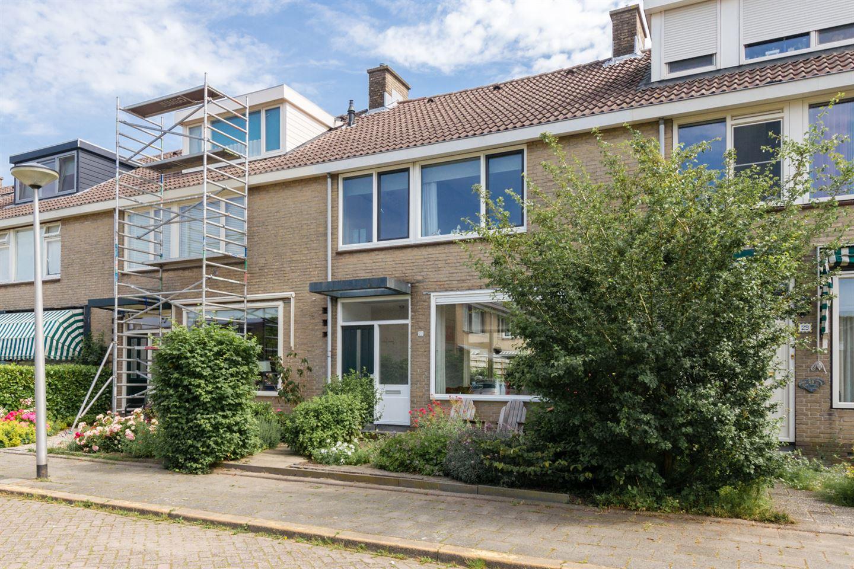 View photo 2 of Daniël van de Merwedestraat 27
