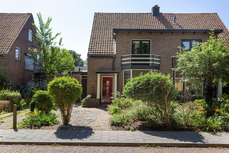 View photo 2 of Stationsweg 31