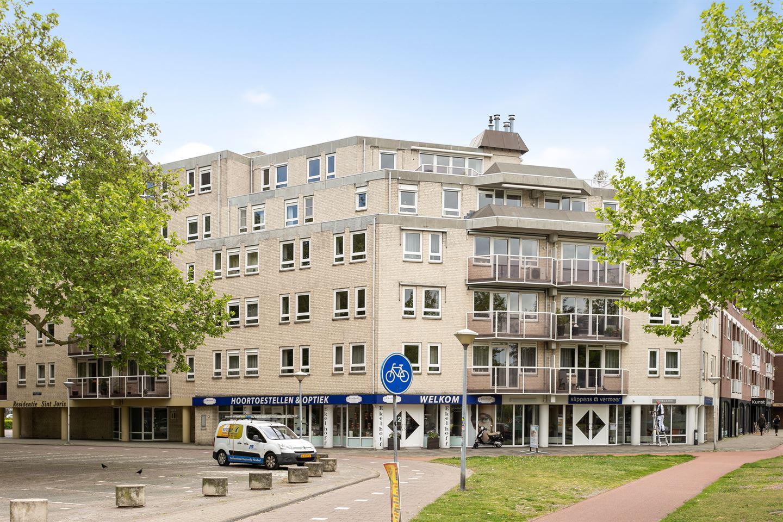 Bekijk foto 1 van Pastoor Harkxplein 12