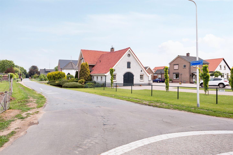 Bekijk foto 3 van Munnikhofsestraat 12