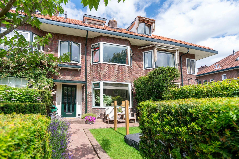 Bekijk foto 1 van Santhorstlaan 69
