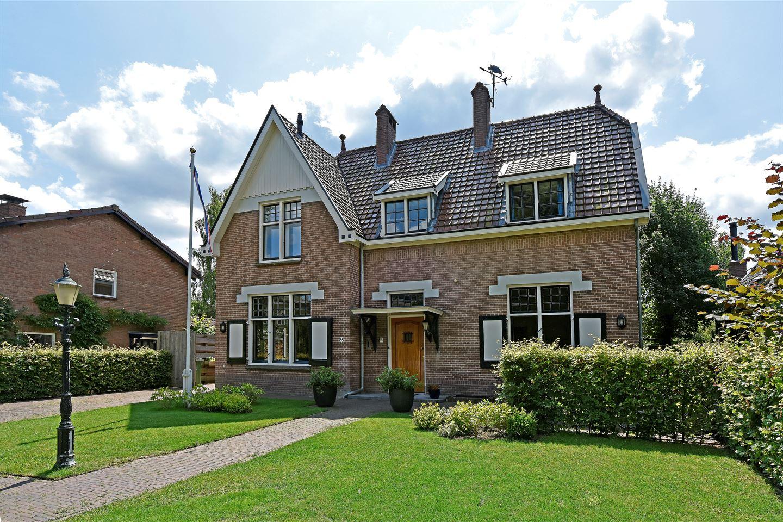 View photo 1 of Burgemeester van den Boschstraat 20
