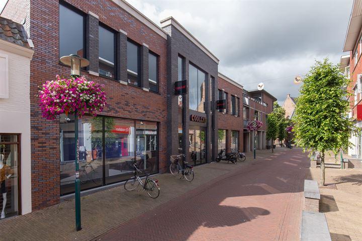 Jan van Schaffelaarstraat 6, Barneveld