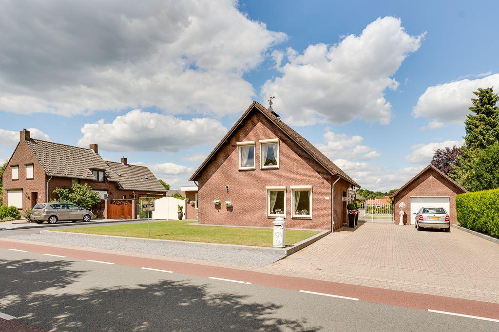 View photo 2 of Venloseweg 127