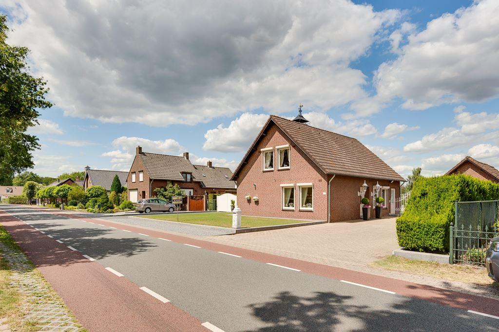 View photo 3 of Venloseweg 127