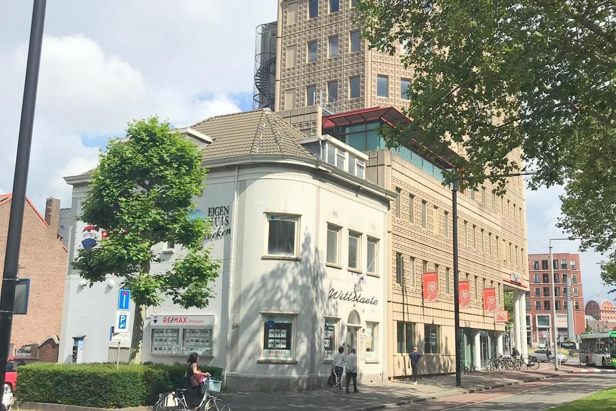 Bekijk foto 2 van Johan de Wittstraat 29