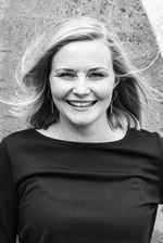 Britt Nelis (Assistent-makelaar)