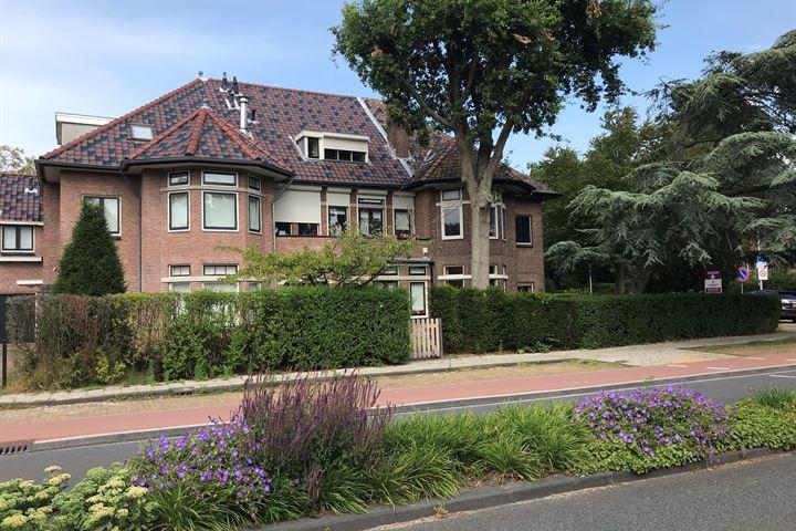 Van Zuylen van Nijeveltstraat 42