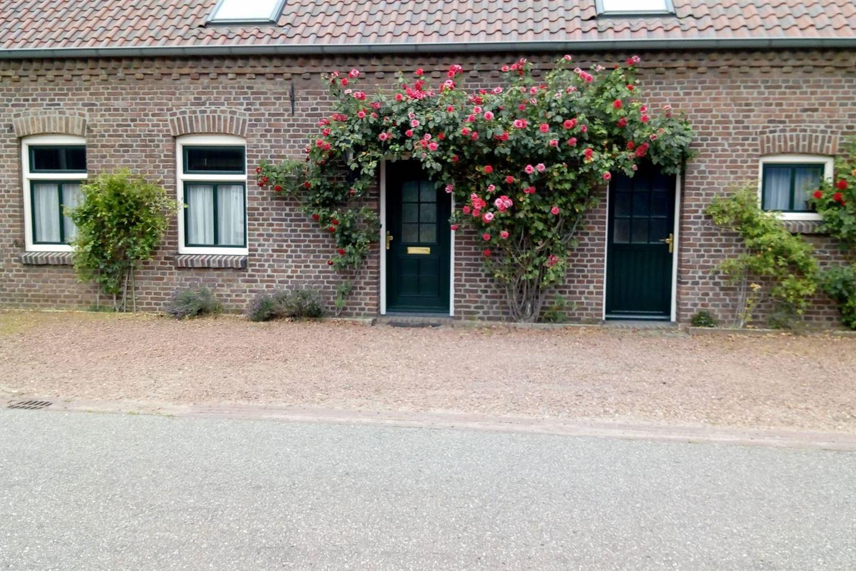 Bekijk foto 2 van Holstraat 62