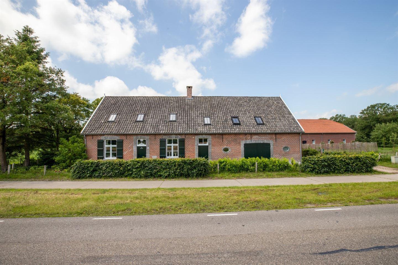 Bekijk foto 2 van Rucphenseweg 39