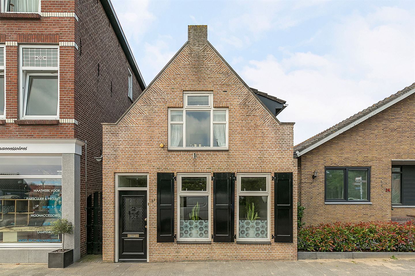 View photo 1 of Molenstraat 26