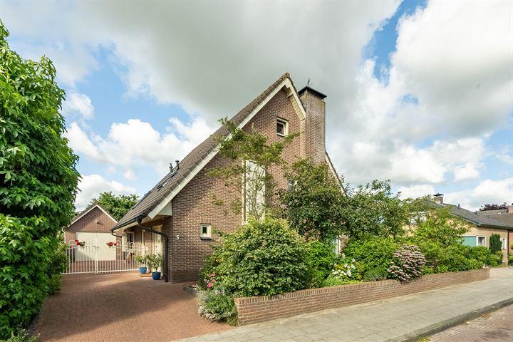 Oranjestraat 5
