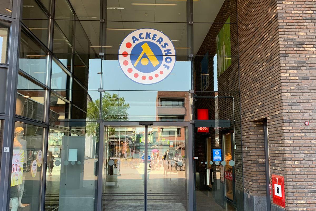 Bekijk foto 5 van Raadhuisplein 4