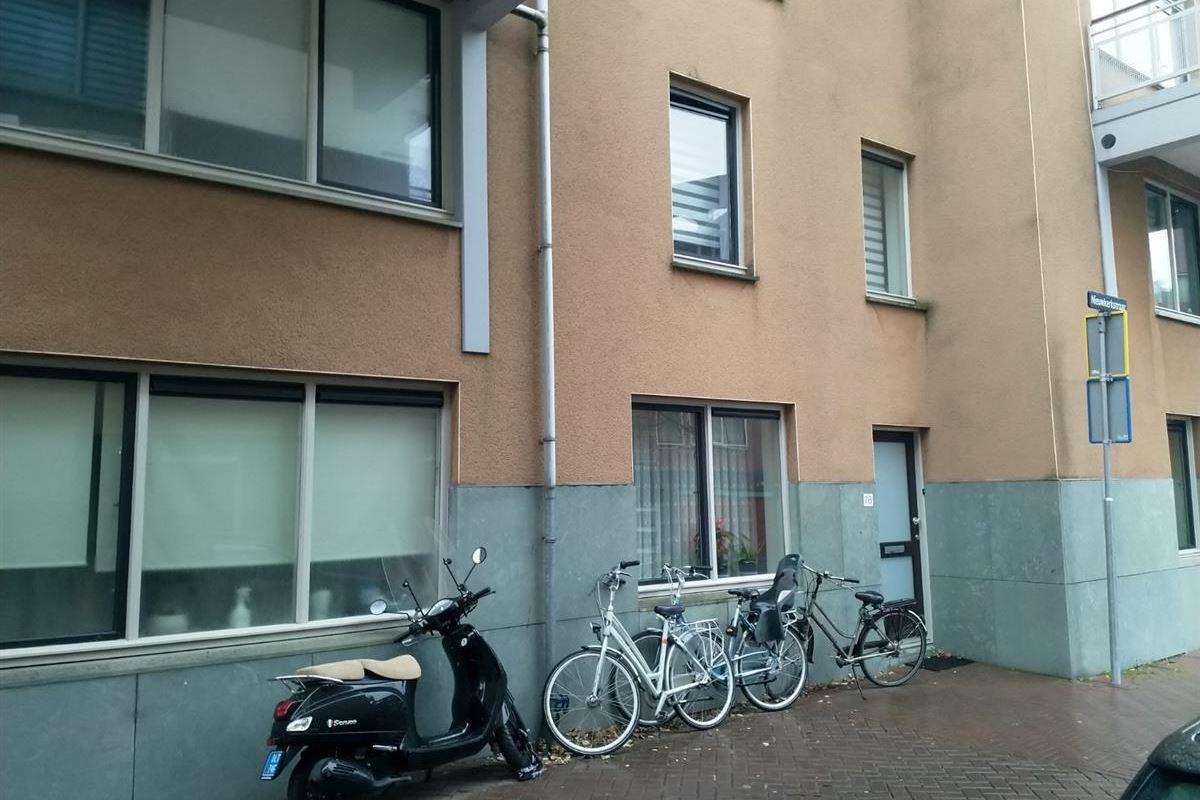 Bekijk foto 1 van Nieuwkerkstraat 78