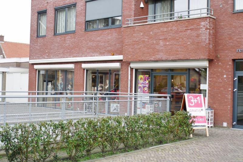 Bekijk foto 3 van Raadhuisplein 13