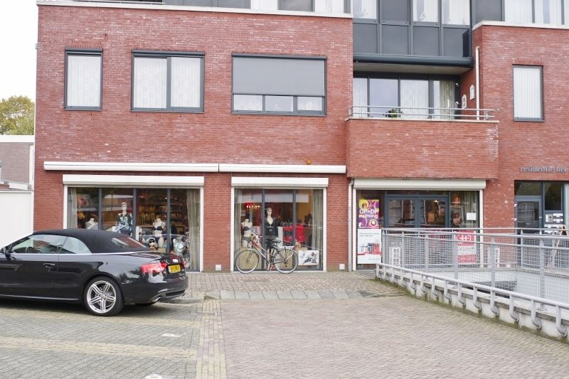 Bekijk foto 1 van Raadhuisplein 13