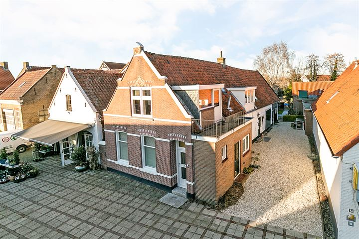 Breestraat 20 + 22
