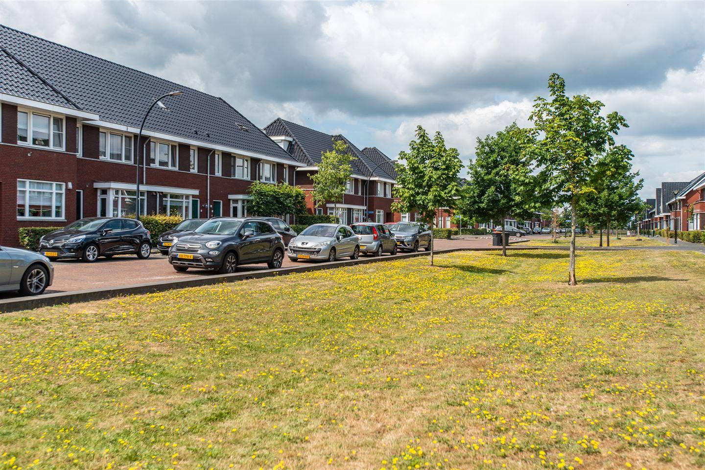 Bekijk foto 2 van Veenendaalstraat 10