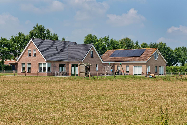 View photo 4 of Terweistraat 2 .